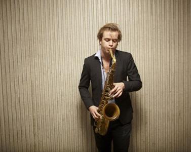 Marius Neset spiller på Fløyen lørdag 24. mai.
